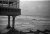 """הים ובית הקפה """"קזינו גלי אביב"""", תל אביב – הספרייה הלאומית"""