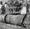 משתתפי הכינוס השמיני לידיעת הארץ בסיור בבית הכנסת העתיק בכורזין