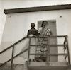 אב ובתו במושב מסילת ציון בפרוזדור ירושלים.