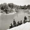 חיילים ליד גשר עבדאללה.