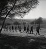 מחלקה של ההגנה הולכת באזור קבוצת דגניה במלחמת העצמאות.