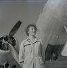 פורטרט של הטייסת הראשונה בחיל האוויר, יעל רום (פינקלשטיין).