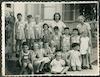ילדי גן הילדים עם הגננות רחל גרובר ומרים רנרט, קיבוץ שפיים.