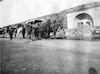 """ינואר 1915, חניה ליד מקום בשם: ערוב (עין אל ערוב ליד חברון) ליד הכרכרה ד""""ר כנעאן – הספרייה הלאומית"""
