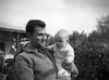 עמירם שקולניק עם רותם בתו – הספרייה הלאומית