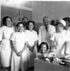 """צוות בית החולים במרכז ד""""ר נסאו, ינואר 1951 – הספרייה הלאומית"""