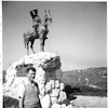 פסל אלכסנדר זייד ליד בית שערים – הספרייה הלאומית