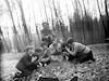 בני נוער בגרמניה מקבוצתו של קורט בטקס קבורת כלב ביער – הספרייה הלאומית