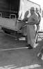 בתחנת הדלק של קואופרטיב בית שאן חרוד, החבר רוך מתל יוסף/יולי – הספרייה הלאומית