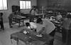 שעור מלאכת יד במוסד גלבוע בית אלפא/נוב', עמוס – הספרייה הלאומית