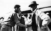 רפרודוקציה לתצלום משנות העשרים, צבי דר מברך את נשיא צ'כוסלובקיה תומס מסריק בביקורו בקיבוץ חפציבה – הספרייה הלאומית
