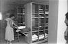 במחסן הבגדים של עין חרוד איחוד – הספרייה הלאומית