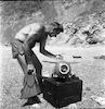 אדי עם מתקן לצילום תת מימי – הספרייה הלאומית
