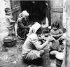 נשים יהודיות אופות לחם במרוקו – הספרייה הלאומית