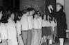 הדסה שרמן מנצחת על המקהלה – הספרייה הלאומית