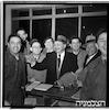 הגעת המנצח קוסובצקי והשחקן אד ג'י רובינסון, הגעה לנמל התעופה בלוד – הספרייה הלאומית