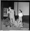 """השחקן קירק דאגלס בת""""א, 10/1952 – הספרייה הלאומית"""